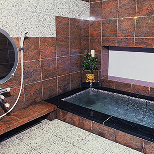 【家族風呂】ご家族やグループにおすすめ。ご希望の方は当日フロントへお申し込みください。※人工温泉