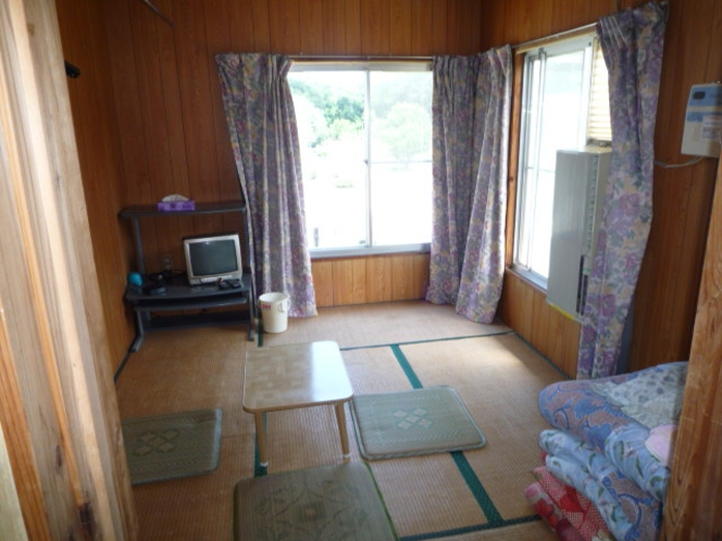 離れ和室6畳間(冷暖房・窓用エアコン)