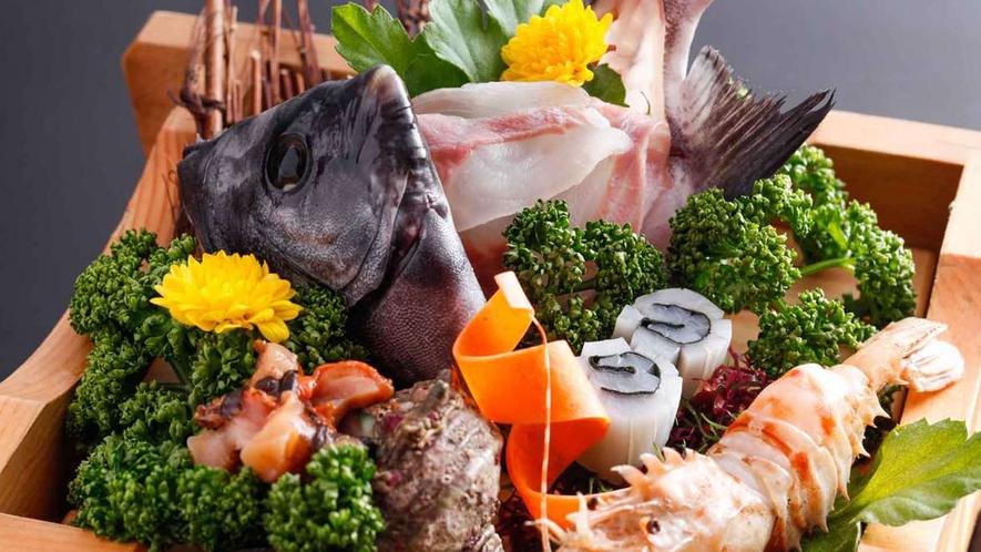 日本海旬魚の姿造りと鬼海老