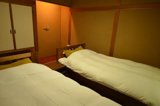 禁煙・ベッド付1階和室10畳+8畳(木立)