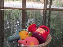 ご家族で貸切風呂での湯浴みをお楽しみください。