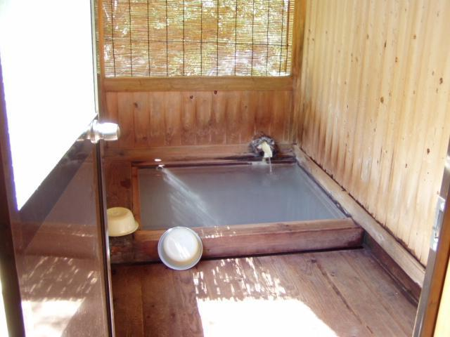 24時間無料の公共「野天風呂」