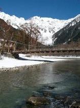冬の上高地河童橋