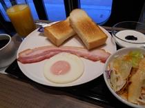 ベーコンエッグ洋定食(朝食)