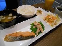 焼き魚定食(朝食)