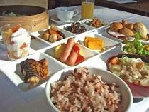 身体に良い朝食(古代米、豚汁、他)