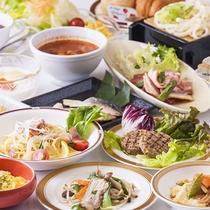 旬食材を使用した季節の朝食は毎月メニューを入れ替えています。