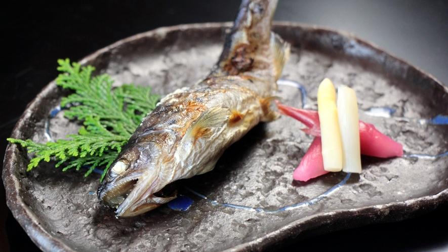 焼物 清流で育った川魚