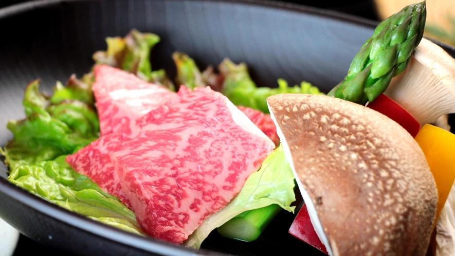 赤城牛のステーキ 良好な肉質で風味が良いことが持ち味。濃厚な赤身と、上品な脂のバランスに優れた逸品
