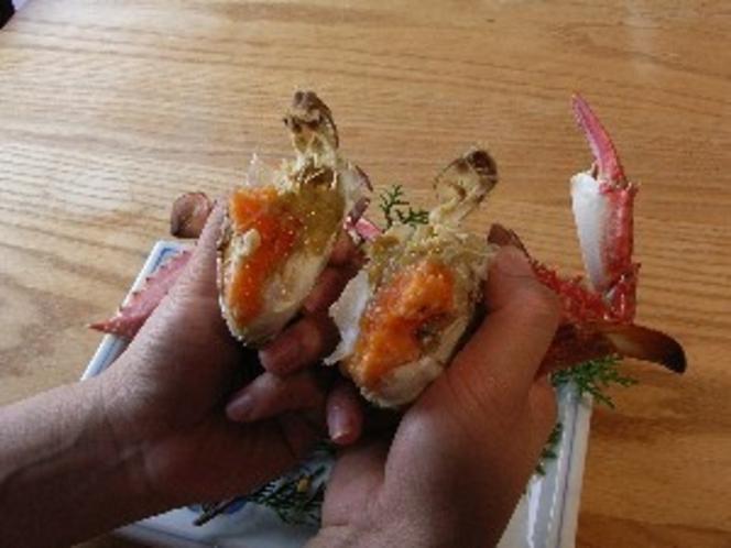 卵身の詰まったメス蟹