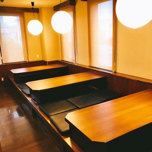 レストラン花茶屋の中には座敷もございます。ご家族やお仕事仲間でわいわい食事ができますよ。