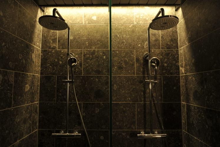 【B1大浴場】高天シャワー