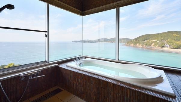 【ビューバス付和洋室 50平米】 海の眺めをふたりじめ