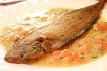 メインの魚料理:舌平目のムニエル/ブール・ブランソース