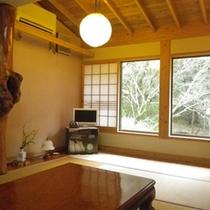 【客室一例】窓からは緑が見え、夜はとても静かです。