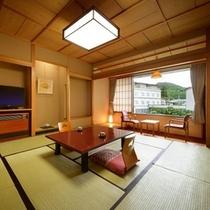 中庭の日本庭園を眺める「本丸①和室11畳(一例)」