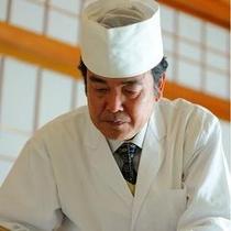 月岡ホテル調理長「秋葉俊美」 和食職人気質の繊細な料理をご堪能下さいませ