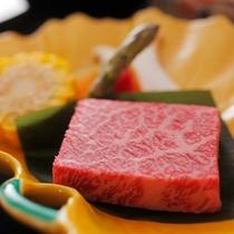 お料理の一例(飛騨牛ステーキ)梅A
