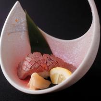 飛騨牛ヒレ肉炙り鮨