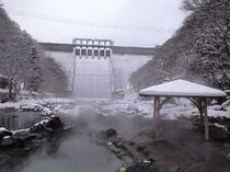雪景色の砂湯