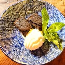 【デザート一例】チョコレートブラウニー