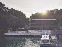 外観/当館は勝浦港から専用の送迎船でお越しいただけます。