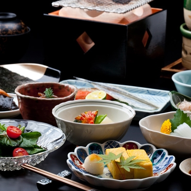 【お部屋食】西館「特別室」と季節の「特別室用京懐石」料理