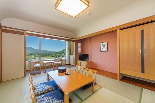 駒ヶ岳を臨むゆったり和室10畳
