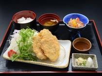 ヒレカツ定食(一階レストラン芝井川メニュー)