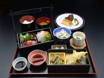 レディース御膳(一階レストラン芝井川メニュー)