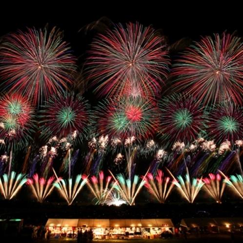 *赤川花火大会/日本の花火100選でもトップ10に入る日本屈指の花火大会です。