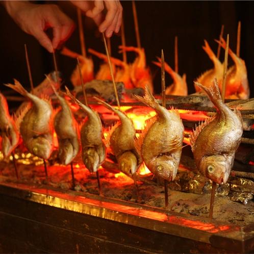 *浜焼き/新鮮な魚を炭火で焼いた香ばしい浜焼き。当館の名物です。