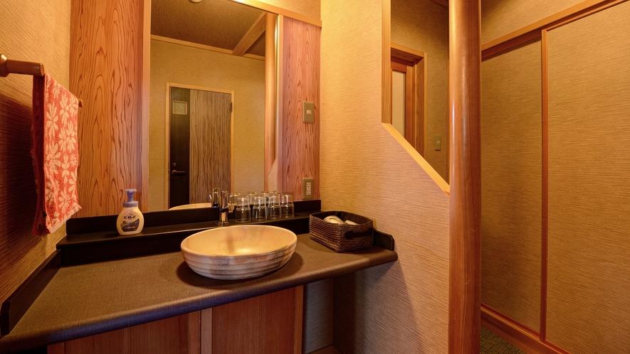 *【客室一例(和洋室)】デザインにこだわった洗面台。