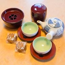 *客室にはお茶菓子をご用意しております。