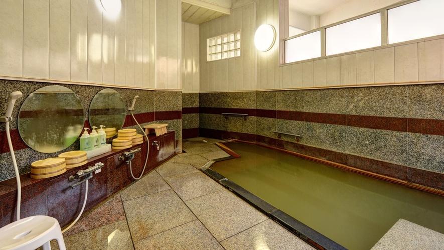*【大浴場(男湯)】湯治に適した泉質です。