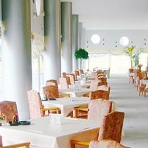 <レストラン>ごゆっくりお食事をお愉しみください。