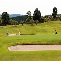 *【野外施設・ゴルフ場】大自然に包まれた宮崎国際カントリークラブ。