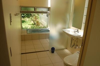 バス(浴槽)付きパウダールーム
