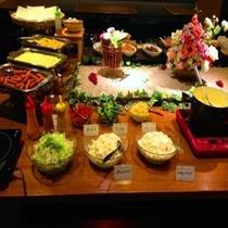 【朝食】ポテトサラダ、マカロニサラダは日替わりです♪