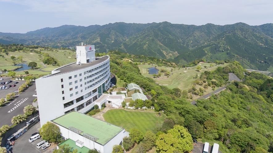 *【外観】ゴルフ場も備える雄大なリゾートホテルでごゆっくりお過ごしください