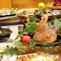 夕食バイキング/お子様から大人まで楽しいご夕食の時間をお過ごしください。