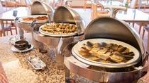*【夕食バイキング】地産地消を意識して、地元食材にこだわったメニューです!