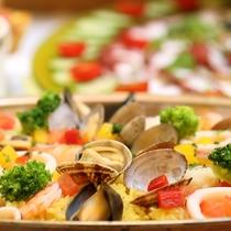 夕食バイキング/和洋折衷様々なメニューをご用意。お好きなものをお好きな分だけお召し上がりください。