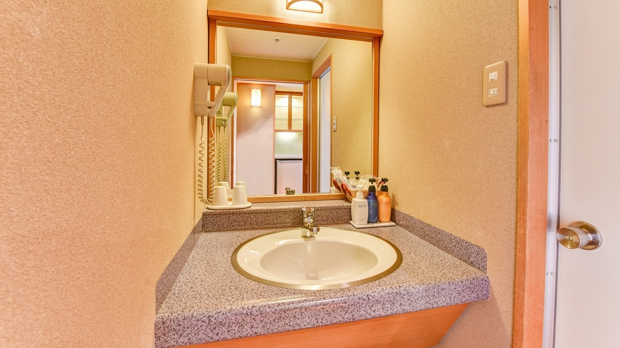 *【和室】独立洗面台/ドライヤーやアメニティをご用意しております。