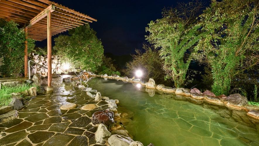 *【露天風呂】満点の星空を眺めながらの入浴は至福のとき☆疲れた身体を癒します。