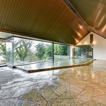 *【大浴場】大窓からたっぷりと光が差し込みます。効能:神経痛・筋肉痛・関節痛・五十肩・疲労回復など