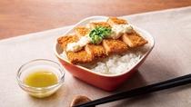 【広島大手町・呉限定メニュー】広島名物がんすをご飯の上にのせてレモスコをかけてお召し上がりください♪