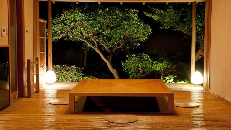 【本間10帖+掘りごたつ式の次の間】海一望の露天風呂付客室