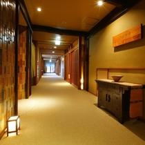【最上階こだま亭】フロアの全客室は露天風呂付きのプライベートな雰囲気