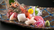 【お造り七種盛り】海の幸づくしならではの贅沢な7種。季節の新鮮なお造りをご用意いたします※イメージ